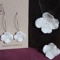 Collier porcelaine fleur blanche